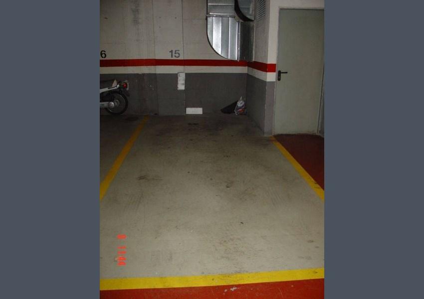 Alquiler parking coche en barcelona sant mart el clot for Oficina habitatge sant marti