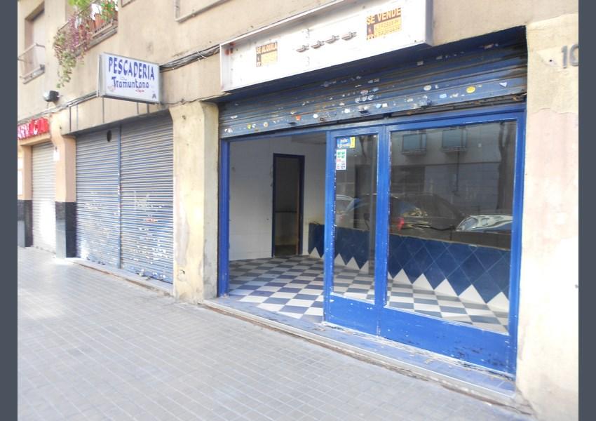 Venta local a barcelona sant andreu for Oficina habitatge eixample